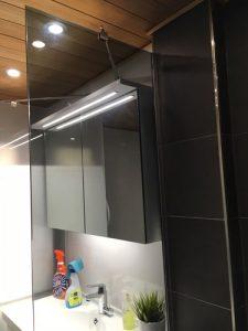 maakunnan-lasi-suihkuseina